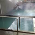 温泉浴槽のエフロ落とし